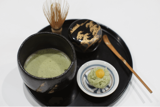 Enjoy Japanese green tea and desserts